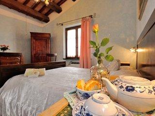 Casale Rosso con piscina vicino a Spoleto