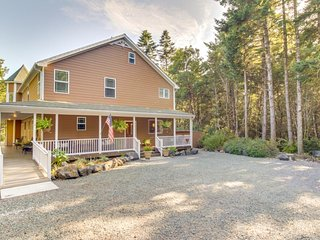 NEW LISTING! Dog-friendly home on 12 acres w/great views, near beach & town
