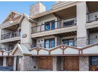 Fantastic Ski-In Ski-Out Paradise Condo 4 Bed/4 Bath