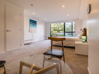 Luxurious 3 bed with ensuite bathroom in Grey Lynn