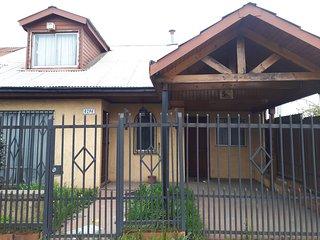 Hostel Jessica, casa acogedora, grande, en un sector residencial y comercial.
