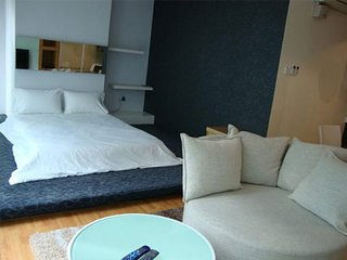 Parkview Serviced Apartment (1-BR Deluxe 1)