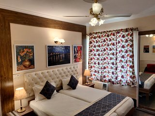 Luxury Rooms near Connaught Place / India gate