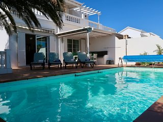 Casa estano with private pool & AC in Puerto del Carmen