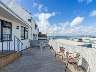 Ocean View Apartment - Deck Terrace with Views over the Port