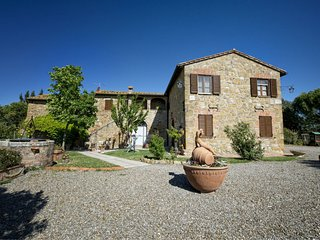2 bedroom Apartment in San Quirico d'Orcia, Tuscany, Italy : ref 5239931