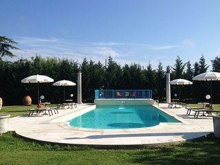 4 bedroom Villa in Chiassa-Tregozzano, Tuscany, Italy - 5240319
