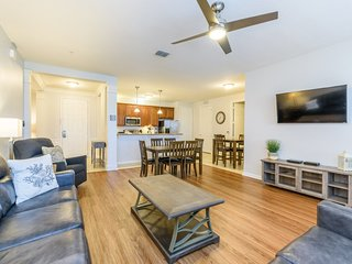 Near Disney World - Vista Cay Resort - Feature Packed Contemporary 2 Beds 2