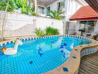 Pattaya City - Great Pool Villa for 10 person close to night market