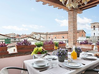3 bedrooms apartment with panoramic terrace in the city center of Lucca