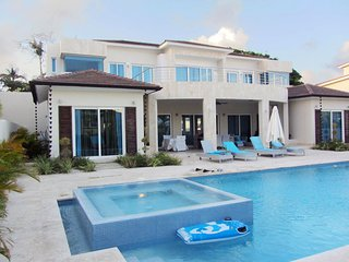 7 Bedroom Villa VIP service & private pool for family in the Caribbean-14 Guest