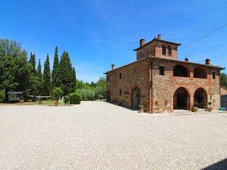 4 bedroom Villa in Monte San Savino, Tuscany, Italy : ref 5313100