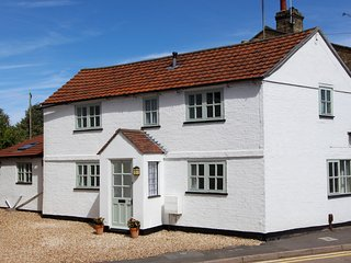 Refurbished Detached Holiday Cottage in Central Ely