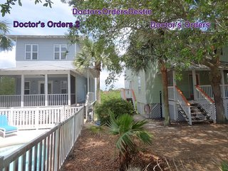 2 Beach Houses, Sleeps 26, Private Beach, Private Pools, Gourmet Kitchen, Lake