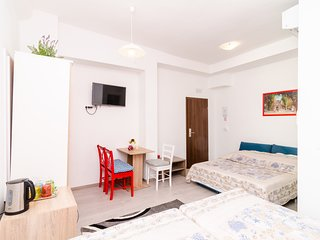Bedroom in the center of Dubrovnik with Internet, Air conditioning (989231)