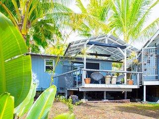 Mariner Cottage/Sunrise Cottages | Walking Distance to Black Sand Beach