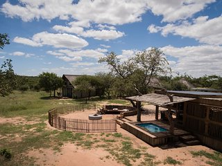 Nyumbani Estate Big 5 Eco-Safari Camp - Bongani Chalet