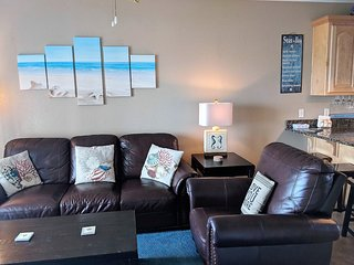 Comfy and Cozy Beach Condo with Bay Views
