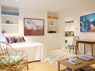 Beautiful studio apartment in Pimlico {MW1}