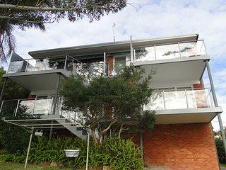 3 'Sebastapol' 66 Thurlow Avenue - gorgeous unit overlooking Dutchies Beach