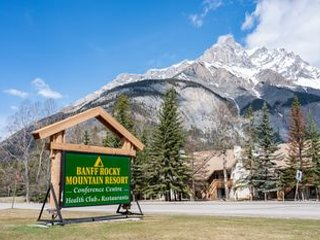 SUN DEC 22-29/19-BANFF, AB-2-BEDROOM CONDO-BANFF ROCKY MOUNTAIN RESORT $1500 CAN