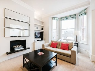 Lovely 2 bed flat in the heart of Chelsea {BC1}
