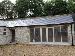 The Cowshed - sleeps 4 barn conversion