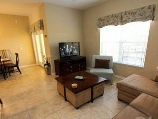 8978CPR. 4 Bedroom 3 Bathroom Town Home with Splash Pool