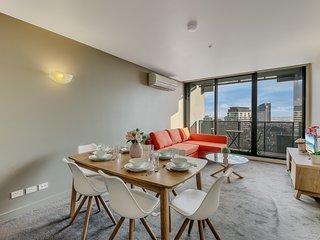 2BR MODERN CBD Apartment, CITY VIEWS, FREE PARKING