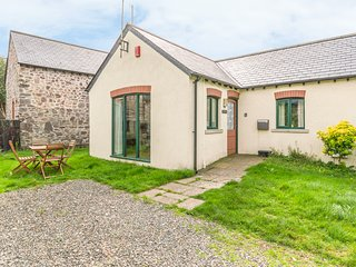 TOES ROCK, charming cottage, near St Ishmaels