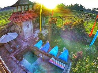 Umah Bali, Spacious 3BR Private Pool Villa
