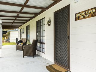 Moore River Retreat - Ideal family holiday home