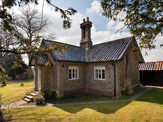 English Cottage, hunting Lodge, unique property