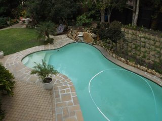 Self-catering Garden Duplex Apartment, fully equipped, in safe tranquil area