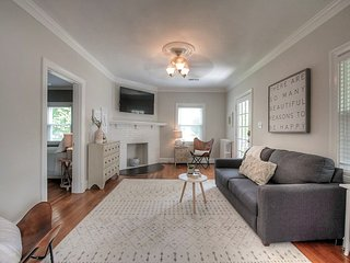 Walkable Dream! 5 ★ Boutique Home Near Everything