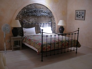 Casa Albéniz, tranquil private villa with heated pool and wifi.