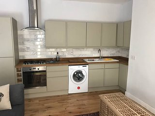 2 Bed Apartment on Gloucester Road - Airbristol