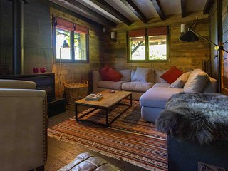 Charming Chalet for 10, near La Clusaz/Grand Bo