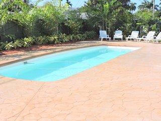 Casa Casino 4/3 for11  Heated Pool Beaches 1 Mi.