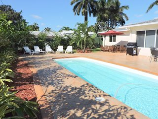 WINTER SPECIAL 4/3 for11 Heated Pool Beaches 1 M