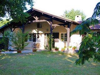 Maison familiale pour 14/ Piscine chauffee/ Tennis