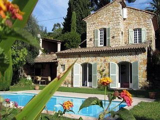 Amazing home in Mougins w/ Private swimming pool, Internet and 4 Bedrooms