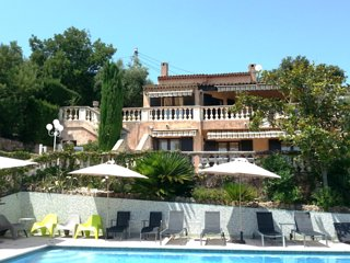 Amazing home in Mandelieu w/ Outdoor swimming pool, Internet and 5 Bedrooms