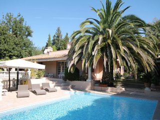 Amazing home in Mougins w/ Private swimming pool, Internet and 5 Bedrooms