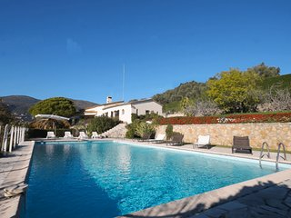 Beautiful home in Grasse w/ Outdoor swimming pool, Internet and 6 Bedrooms