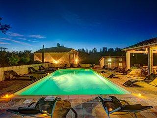 Sainte-Cecile-du-Cayrou Villa Sleeps 14 with Pool and WiFi - 5604558