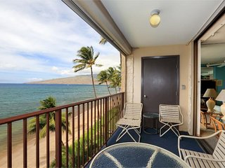 Dazzling Beachfront Views Are Waiting - Kihei Beach #509