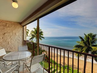 Beautiful 1BD, Beachfront Condo -Kihei Beach #407