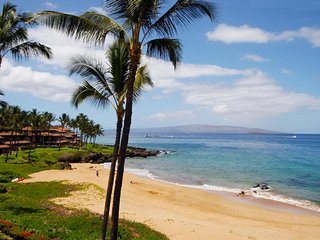Beautiful Beach Front 2 BDRM Condo - Makena Surf Resort # B-304