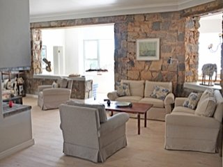 Ocean front Villa, 2-6 bedroom Cliffpath Westcliff, casa vacanza a Overberg District
